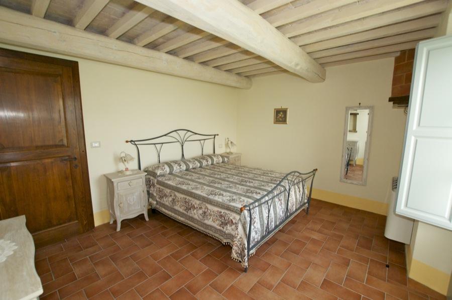 Agriturismo Il Poggiarello - Asciano - Appartamenti e Camere, un ...